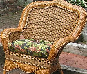 Wicker & Rattan Chairs & Ottomans