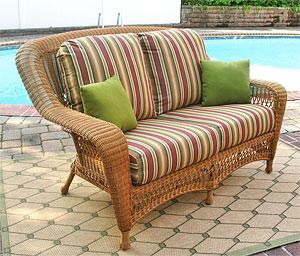 Outdoor Resin Wicker Love Seats
