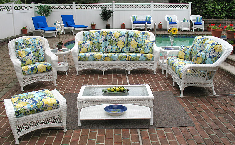 White Palm Springs Resin Wicker Furniture Sets