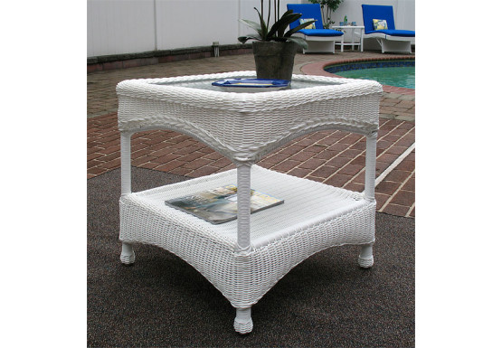 Laguna Beach Resin Wicker End Table  - WHITE
