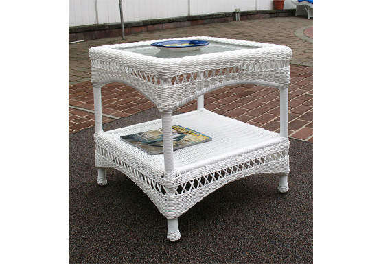 Palm Springs Resin Wicker End Table - WHITE