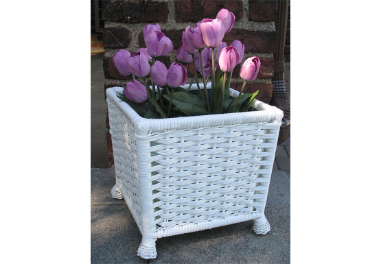 Resin Wicker Planter with Galvanize Insert - WHITE