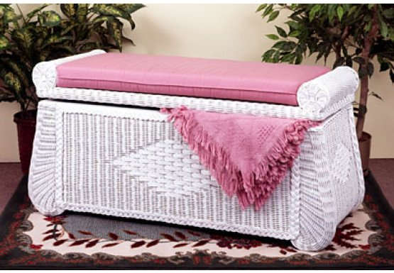 Wicker Blanket Chest or Trunk, Wood Lined - WHITE