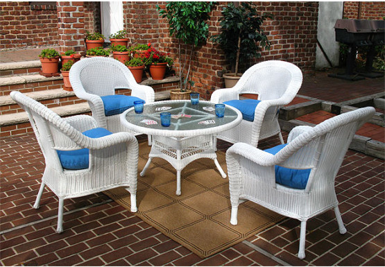 Malibu Resin Wicker Conversation Set (1) 24 High Table (4) Chairs - WHITE