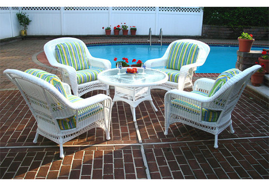"Palm Springs Resin Wicker Conversation Set (1) 24"" High Table (4) Chairs - WHITE"