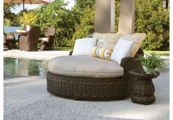 Lane South Hampton Synthetic Round Chaise Lounge - TUSCAN BROWN FINISH