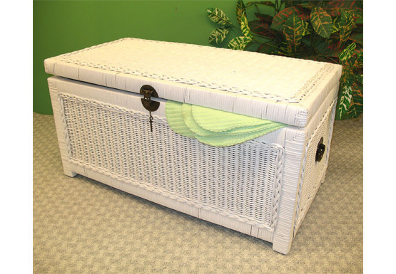 Wicker Trunks or Chests, Small Woodlined White - Wicker Trunks or Chests, Small Woodlined White