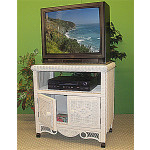 Victorian Wicker TV Stand w/Glass Top & Castors -