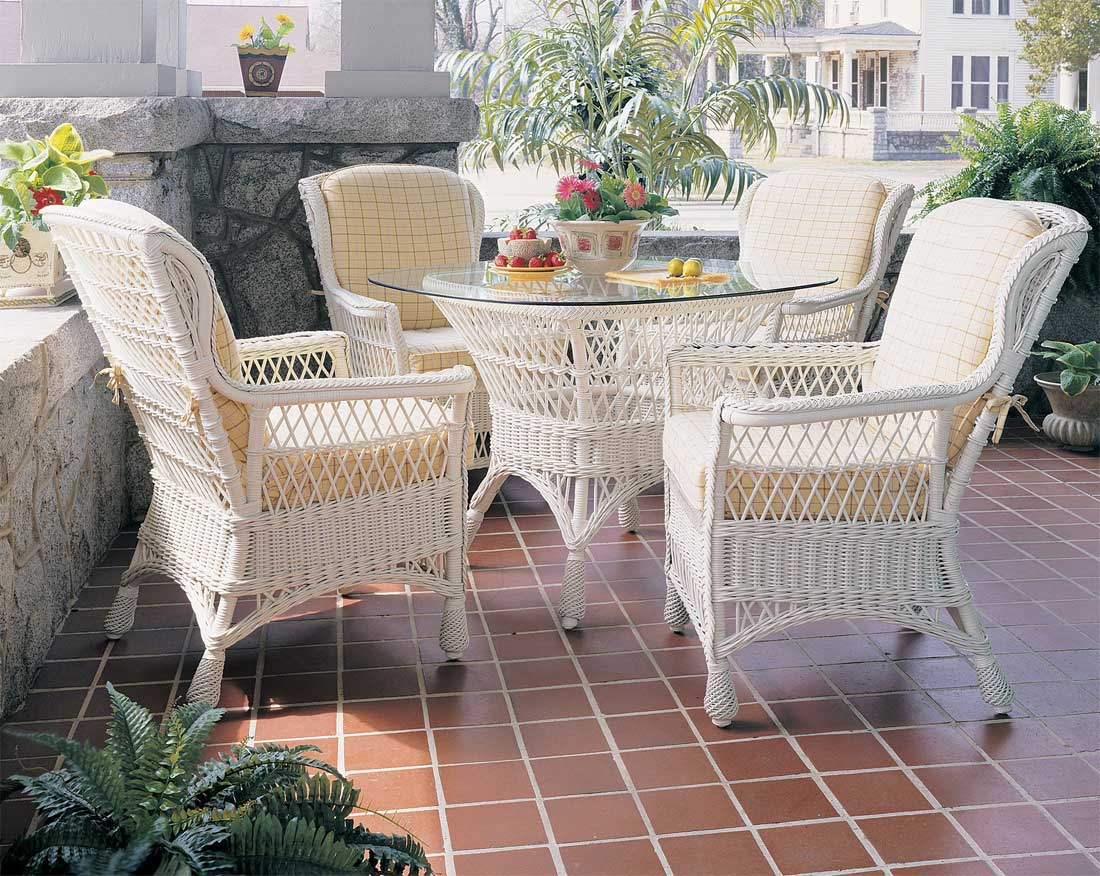 Vintage Natural Wicker Dining Set